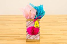 3-D Present Bag | Customize plain paperbags with this great 3-D effect. #DiyReady www.diyready.com