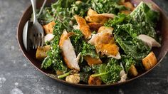 With flavour packed dressing, this kale caesar salad with chicken is guaranteed to be a household staple. Recipe courtesy of Olive Recipes, Kale Recipes, Best Chicken Recipes, Recipe Chicken, Chicken Salad, Chicken Roaster, Roast Chicken, Food For Chickens, Kale Caesar Salad