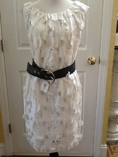 Catherine Malandrino Flower Sz 6 Dress. Free shipping and guaranteed authenticity on Catherine Malandrino Flower Sz 6 Dress at Tradesy. Beautiful white Catherine Malandrino dress sz 6 S...
