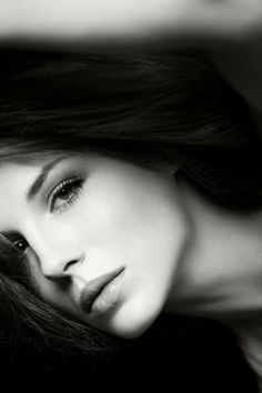 Kate Beckinsale, what a sexy beautiful face! Beautiful Lips, Simply Beautiful, Beautiful Women, Film Pearl Harbor, Kate Beckinsale Pictures, Celebrity Portraits, Black And White Portraits, Kate Hudson, Female Portrait