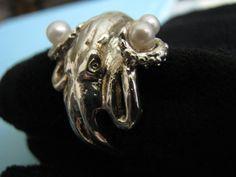 Bague perle de poulpe par UndrTakrSilvrMakr sur Etsy