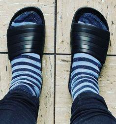 Pool Slides, Slide Sandals, Clogs, Sneakers, Fashion, Sandals, Clog Sandals, Tennis, Moda