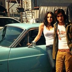 Elizabeth Gillies & Avan Jogia (her eyebrows look better when they're fuller like this)