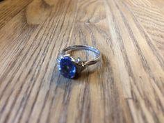 Sapphire ring  #VintageJapaneseJewelry #filigree #RetroJewelry #jewelry #vintagejewelry #japan #midcenturyjewelry #昭和ジュエリー  #千本透かし #唐草リング