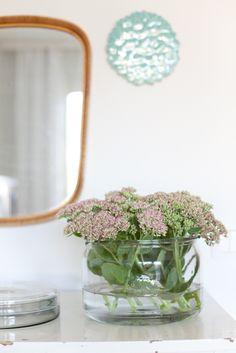 Vihreä talo. Indoor, Wreaths, Ideas, Home Decor, Interior, Decoration Home, Room Decor, Bouquet, Interior Decorating