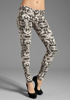 FRANKIE B. JEANS My BFF Jegging in Catacomb Bone - Printed