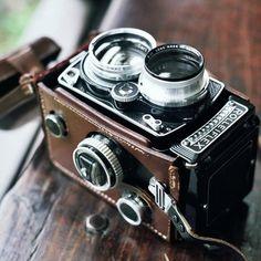 introducingmrbentley:    Vintage Rolleiflex