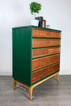 Dixie Highboy Two Toned Emerald Green and 5 Refinished Wood Drawers Mid Century Modern Dresser Chest Emerald Green Bedrooms, Bedroom Green, Diy Dresser Makeover, Furniture Makeover, Dresser Ideas, Furniture Ideas, Green Painted Furniture, Green Dresser, Mid Century Modern Dresser