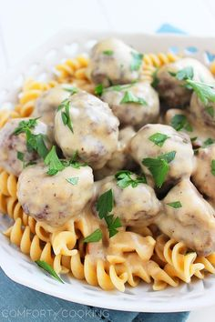 Lighter Swedish Meatballs – A forgotten favorite gets a delicious, skinnier twist! You'll love these saucy Swedish meatballs... total comfort food with fewer calories! | thecomfortofcooking.com