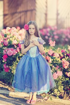#girl #flowers #roses #pink #blue #dress #summer #photosession #photography