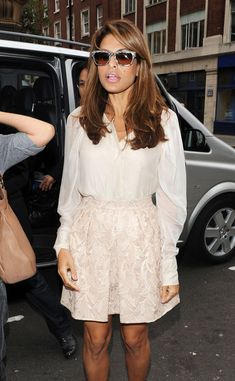 Eva Mendes Wayfarer Sunglasses - Eva Mendes paired her nude look with grey…