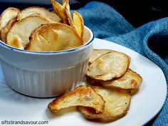 Homemade Potato Chips - vegan and oil free Low Fat Vegan Recipes, Raw Food Recipes, Cooking Recipes, Free Recipes, Vegan Snacks, Healthy Snacks, Vegan Food, Healthy Eating, Vegan Appetizers