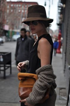 { hat+ slouchy sweater } Need a hat and sweater like this for Christmas!!!