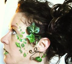 Here I have made a green ivy ear cuff for Poison Ivy fancy dress or tree people, mother nature goddess, nature elven dress coustume  The Ivy