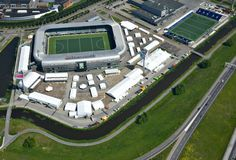 Hier errichteten wir für den Königlich Niederländischer Hockey Verband (KNHB) anlässlich des Rabobank WorldCup Hockey Turniers Hospitality Pavillons, die Eventlocation, Eingangsbereiche/ Akkreditierung /Garderoben, Merchandising Pavillons sowie Multifunktionsräume u.a. für Presse und Medien.