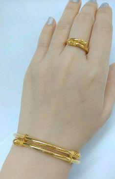 Gold Wedding Jewelry, Gold Rings Jewelry, Jewelry Design Earrings, Gold Earrings Designs, Diamond Bracelets, Silver Bracelets, Plain Gold Bangles, Gold Bangles Design, Gold Jewellery Design