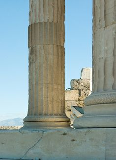 North Side of the Erechtheum    Column base detail with reflected daylighting