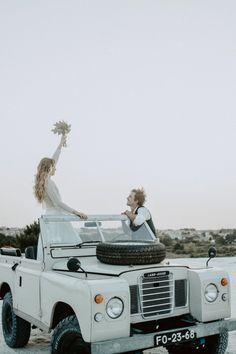 Neste artigo relembramos as ferramentas que temos à vossa disposição para que o planeamento do vosso casamento seja perfeito. Acede a Casamentos.pt e descobre todas as funcionalidades para o teu dia C. #casamento #noivos #organização #app #ferramentas #gratuito #convidados #web #portal #casamentospt Jeep, Couples, Portal, Wedding Cake Simple, Laid Back Wedding, Wedding Cars, Natural Styles, Industrial Wedding, Vintage Weddings