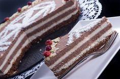 Tort in straturi de ciocolata