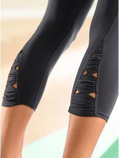 How cute are these Power X's & O's Capris from Athleta?!