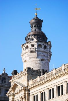New City Hall – Martin-Luther-Ring 4-6. It was built after the design by Hugo Licht on the ground of the former Pleißen Castle in 1905. The monumental building has a tower, which is 114 meter high. It also has 9 turrets. Leipzig?