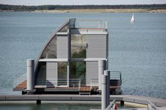 D2CE4G Geierswalde, Germany, the first floating house of the future home port…