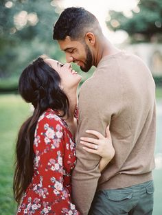 Couple photoshoot poses, couple picture poses, couple photography p Photo Poses For Couples, Couple Photoshoot Poses, Couple Picture Poses, Photo Couple, Cute Couple Poses, Fall Couple Pictures, Romantic Couple Photos, Married Couple Photos, Posing Couples