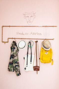 Creative hallstand | Styling Sabine Burkunk | Photographer Hans Mossel | vtwonen August 2014