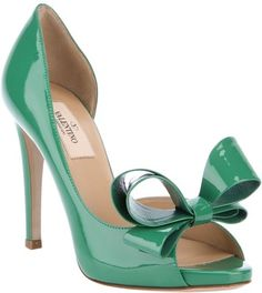 These would be adorable to wear for my brother's St. Patrick's Day wedding