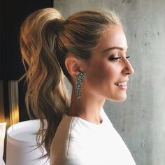 Kristin Cavallari's OMG-Worthy Dramatic Ponytail Is there anything better than a perfectly-popped ponytail? We'll wait…dramatic ponies are seriously on-trend and we are obsessed with actress Kristin Cavallari's voluminous and sculpted style for the 2018 G Cute Ponytail Hairstyles, Ponytail Updo, Pretty Hairstyles, Straight Hairstyles, Wedding Hairstyles, High Ponytail With Braid, Voluminous Ponytail, Slicked Back Ponytail, Braid Hairstyles