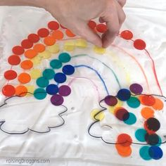 Rainbow Sensory Bag * ages ⋆ Raising Dragons This rainbow sensory bag is a perfect sensory activity for improving color recognition, pattern recognition and fine motor skills.Rainbow Sensory Bag * from 2 years ⋆ breed kites Sensory Activities Toddlers, Motor Skills Activities, Preschool Learning Activities, Sensory Bins, Infant Activities, Sensory Play, Preschool Kindergarten, Toddler Preschool, Art Activities For Preschoolers