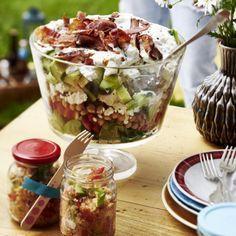 Sieben-Sachen-Salat Rezept Acai Bowl, Buffet, Oatmeal, Salads, Healthy Living, Bbq, Breakfast, Party, Food