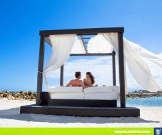 #royaldestination Qualquer encontro fica melhor com a paisagem do Caribe. Nos vemos lá? ;)