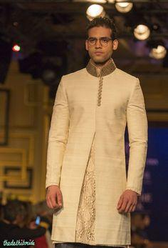 For men – ivory sherwani jacket manish malhotra india couture week 2014 Mens Indian Wear, Indian Groom Wear, Indian Men Fashion, Indian Bridal Fashion, Men's Fashion, Sherwani, Couture Week, Manish Malhotra, Lakme Fashion Week