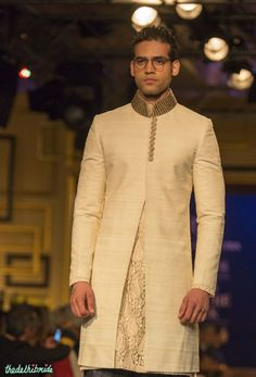 For men – ivory sherwani jacket manish malhotra india couture week 2014 Indian Men Fashion, Indian Bridal Fashion, Men's Fashion, Indian Groom Wear, Indian Wear, Couture Week, Engagement Dress For Groom, Mens Ethnic Wear, Mens Sherwani
