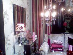 room set by en leuko
