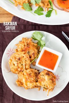 How to cook bakwan sayur (Indonesian vegetable fritters) at home, choosing the vegetable mix, and tips to get crispy bakwan.