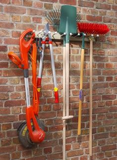 crochets porte outils porte outils mural crochet rangement mottez garage pinterest. Black Bedroom Furniture Sets. Home Design Ideas