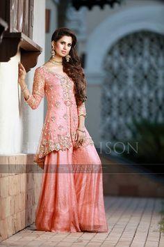 Fashion Pakistan Pakistani Fashion Party Wear, Pakistani Wedding Outfits, Pakistani Bridal, Pakistani Dresses, Indian Dresses, Indian Outfits, Indian Fashion, Simple Dresses, Cute Dresses