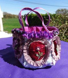 http://www.yorkette45.canalblog.com  : Les cousettes brodées de YorketteANTONIETTA (1)