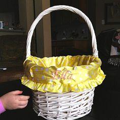 Love this! DIY Easter Basket Liner.
