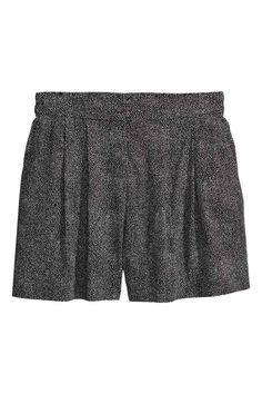 Pantaloni scurți largi - Negru/cu picăţele - FEMEI | H&M RO