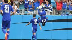 Moses spectacular celebration after scoring against PSG