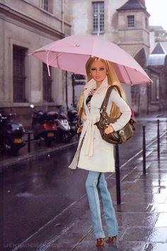 Parapluie. | Barbie® Basics Model No. 04 Collection 003.