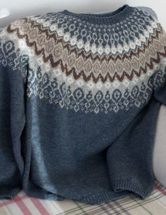 Ravelry: Laureus' Svissari The Effective Pictures We Offer You About pulli sitricken A quality pictu Sweater Knitting Patterns, Knitting Designs, Knit Patterns, Baby Knitting, Motif Fair Isle, Fair Isle Pattern, Icelandic Sweaters, Fair Isle Knitting, Pulls