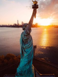 The Statue of Liberty at dusk America Culture New York Is one of the best known . - The Statue of Liberty at dusk America Culture New York Is one of the best known places in America n - Nyc, Viaje A Washington Dc, New York City, Times Square, Liberty Island, I Love Ny, Destination Voyage, Photos Voyages, Concrete Jungle