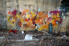 Abstract graffiti consisting of do-dads, arrows, fades, and shines, courtesy of Curve and Cecster.