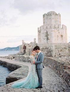 Greek wedding - photo by Laura Sponaugle Photography http://ruffledblog.com/modern-greek-goddess-wedding-inspiration