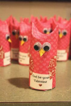 Too cute. Adorable owl treat holders.
