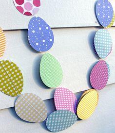 Dekorera satsningen med sköna ägg-girlanger!